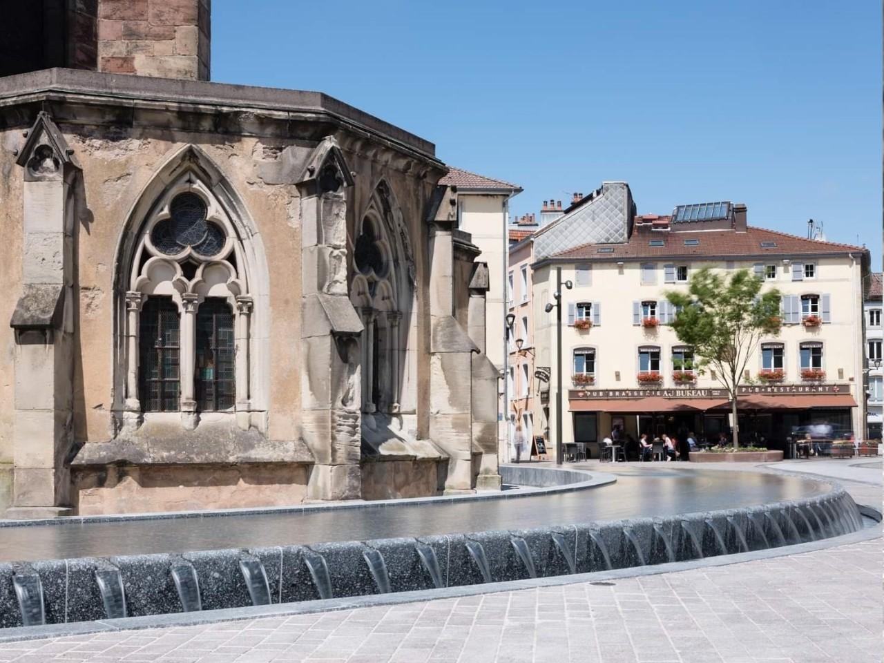 Fontaine-table-d-eau-creneaux-Epinal (3)